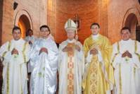 obispo, presbíteros y diáconos
