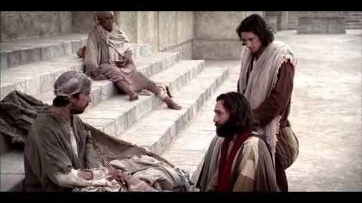 Y cierto día Pedro y Juan subían al templo a la hora novena, la de la oración. (Hechos 3:1)