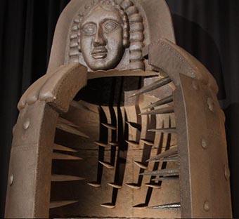 Resultado de imagen para torturas de la santa inquisición la doncella de hierro