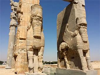 Kirubes (querubines) asirios protectores